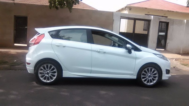 used ford focus 1 0 ecoboost ambiente for sale in gauteng id 2854284. Black Bedroom Furniture Sets. Home Design Ideas