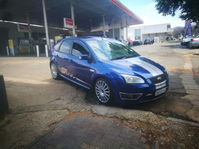 used ford focus 2 5 st 5dr for sale in gauteng id 2854468. Black Bedroom Furniture Sets. Home Design Ideas