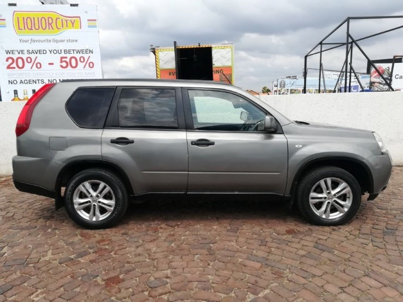 used nissan x trail 2 0 xe t32 for sale in gauteng. Black Bedroom Furniture Sets. Home Design Ideas