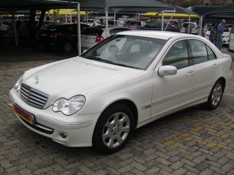 Used mercedes benz c class c220 cdi elegance a t for sale for Mercedes benz c class used cars for sale