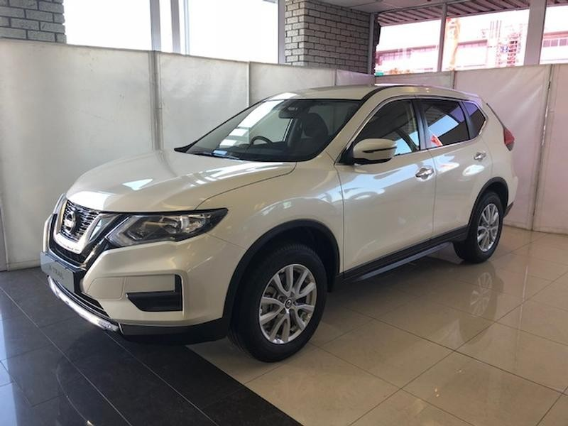 used nissan x trail 2 0 visia for sale in western cape id 2864202. Black Bedroom Furniture Sets. Home Design Ideas