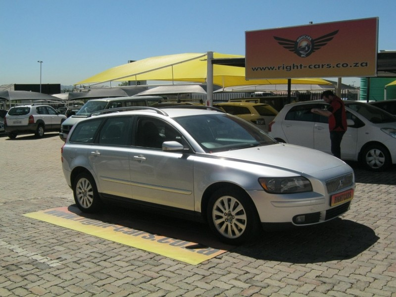 used volvo v50 2 4i for sale in gauteng