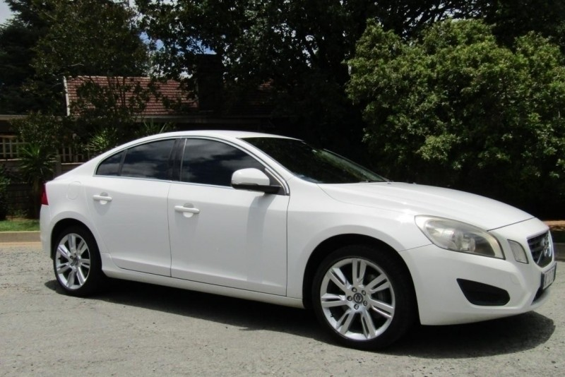 used volvo s60 t6 geartronic for sale in gauteng id 2881976. Black Bedroom Furniture Sets. Home Design Ideas