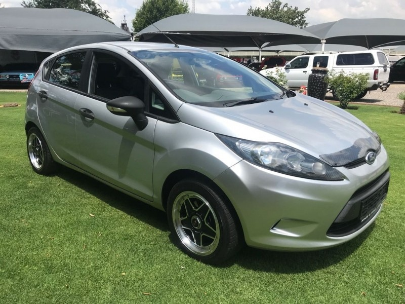 used ford fiesta 1 6 tdci ambiente 5dr for sale in gauteng id 2886160. Black Bedroom Furniture Sets. Home Design Ideas