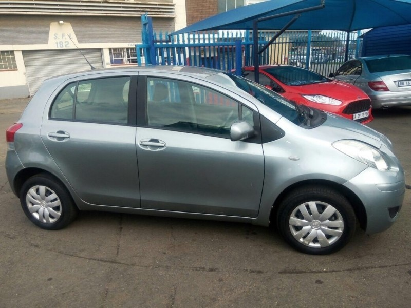 used toyota yaris automatic for sale in gauteng id 2886942. Black Bedroom Furniture Sets. Home Design Ideas