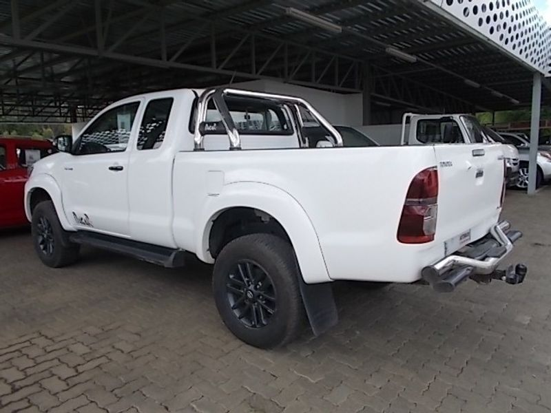 used toyota hilux 3 0d 4d dakar 4x4 xtra cab p u for sale in free state id 2890922. Black Bedroom Furniture Sets. Home Design Ideas