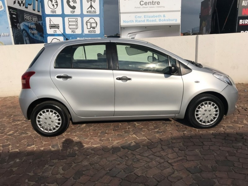used toyota yaris t3 a c for sale in gauteng id 2897054. Black Bedroom Furniture Sets. Home Design Ideas