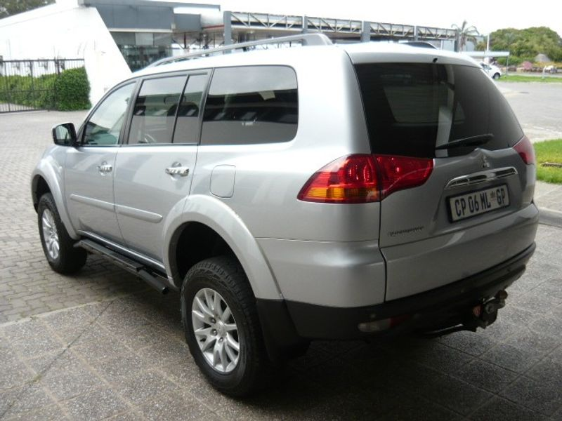 used mitsubishi pajero sport 3 2 di d gls a t for sale in gauteng id 2906888. Black Bedroom Furniture Sets. Home Design Ideas