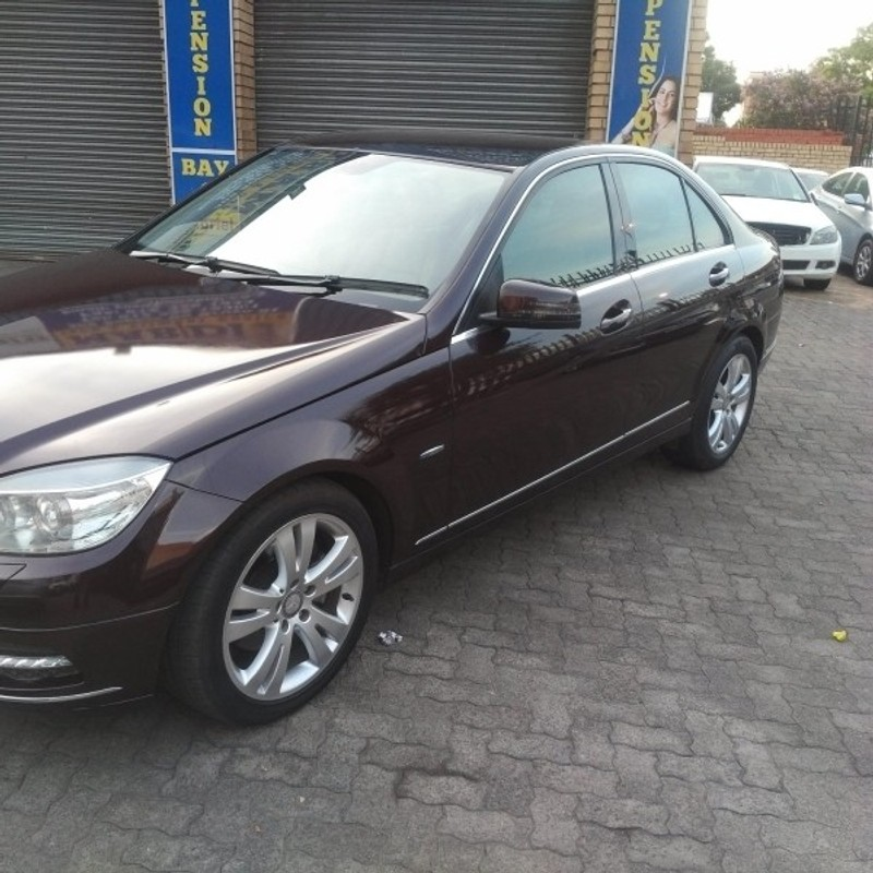 Used mercedes benz c class c 180 avantgarde for sale in for Mercedes benz 2011 c300 for sale
