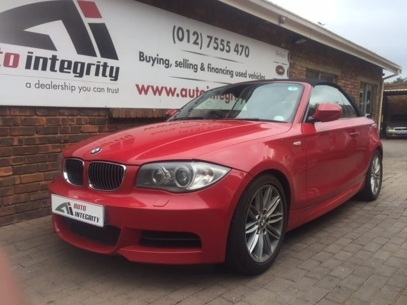 used bmw 1 series red drop top for sale in gauteng id 2932280. Black Bedroom Furniture Sets. Home Design Ideas