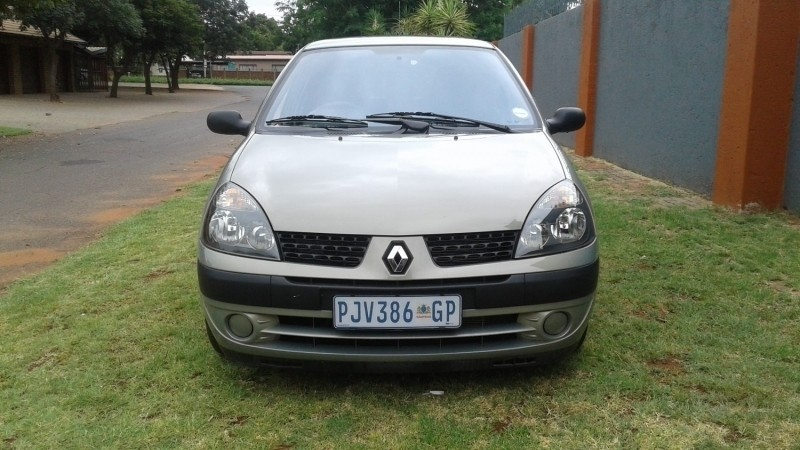 used renault clio 1 4 expression for sale in gauteng id 2941170. Black Bedroom Furniture Sets. Home Design Ideas