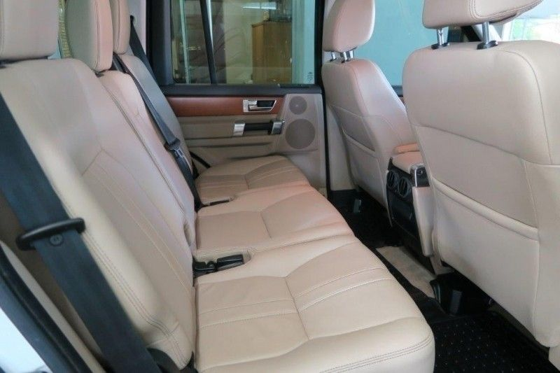 used land rover discovery 4 3 0 tdv6 se for sale in western cape id 2944518. Black Bedroom Furniture Sets. Home Design Ideas