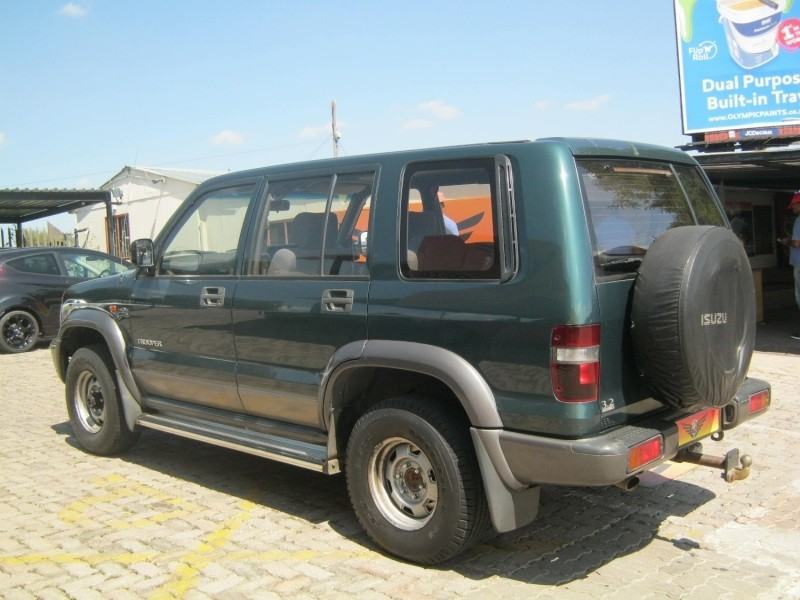 used isuzu trooper 3 2 s w for sale in gauteng. Black Bedroom Furniture Sets. Home Design Ideas