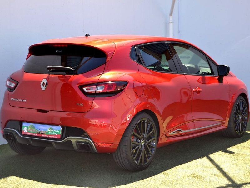used renault clio iv 1 6 rs 220 edc trophy for sale in. Black Bedroom Furniture Sets. Home Design Ideas