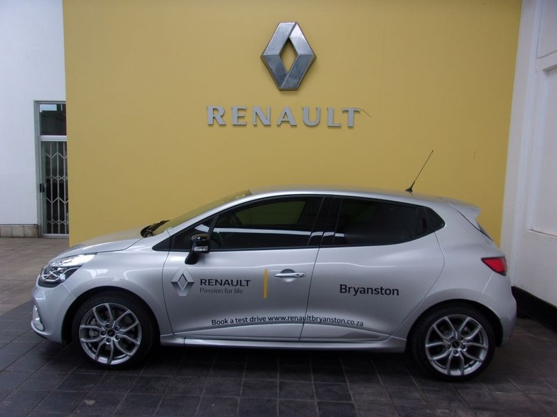 used renault clio iv 1 6 rs 200 edc lux for sale in gauteng id 2979949. Black Bedroom Furniture Sets. Home Design Ideas