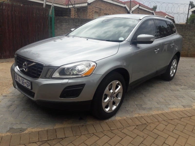 used volvo xc60 d3 geartronic essential for sale in gauteng id 2984855. Black Bedroom Furniture Sets. Home Design Ideas