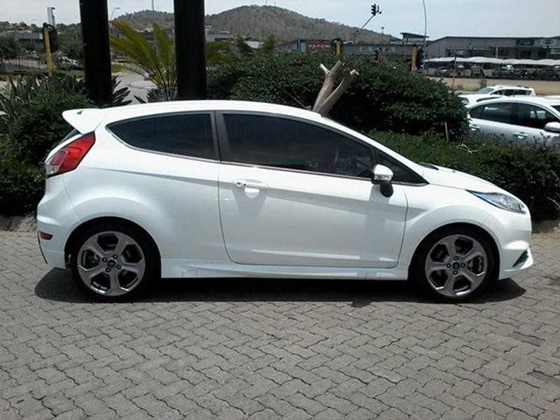 used ford fiesta st 1 6 ecoboost gdti for sale in north west province id 2985867. Black Bedroom Furniture Sets. Home Design Ideas