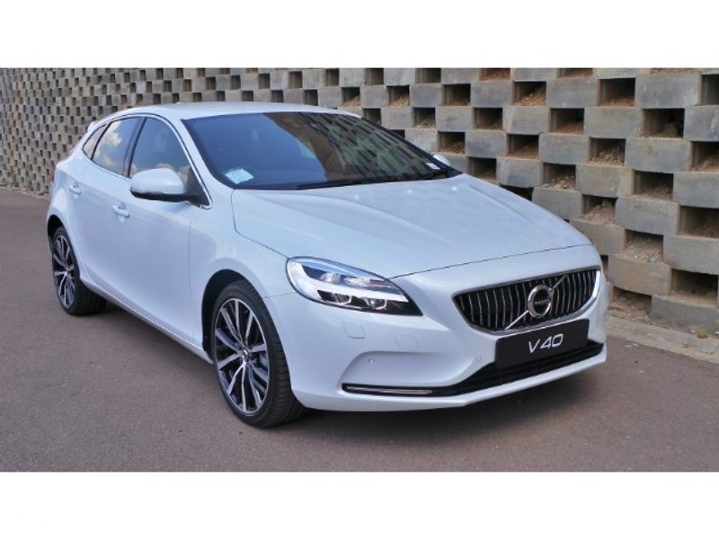 used volvo v40 t4 momentum geartronic for sale in gauteng id 3002950. Black Bedroom Furniture Sets. Home Design Ideas