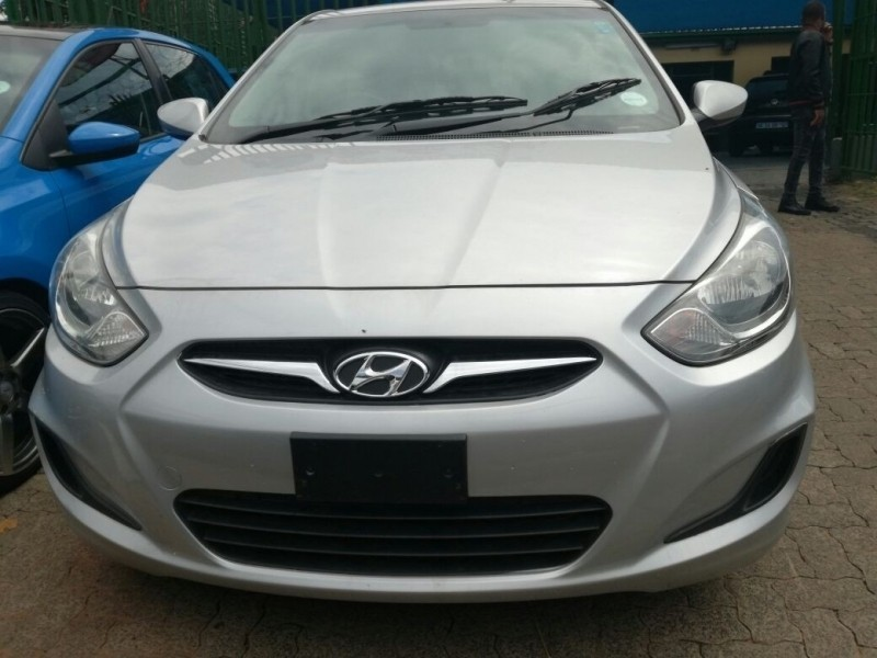 used hyundai accent 1 6 for sale in gauteng id 3019428. Black Bedroom Furniture Sets. Home Design Ideas