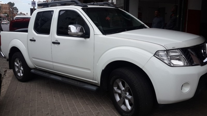 used nissan navara 4 0 v6 p u d c for sale in gauteng id 3025738. Black Bedroom Furniture Sets. Home Design Ideas