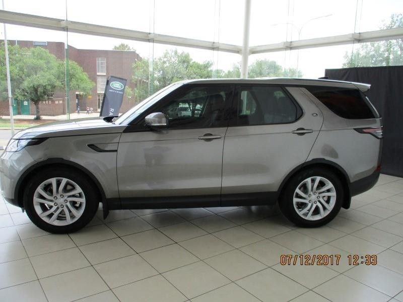 Used Land Rover Discovery 3.0 TD6 SE for sale in Gauteng ...