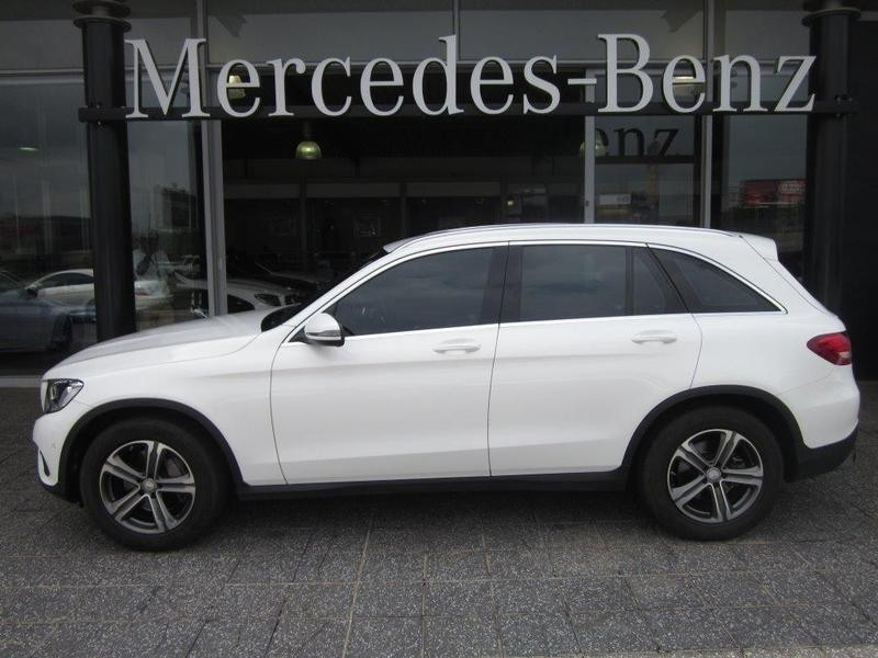 Used mercedes benz glc 250 for sale in gauteng for Mercedes benz salesman requirements