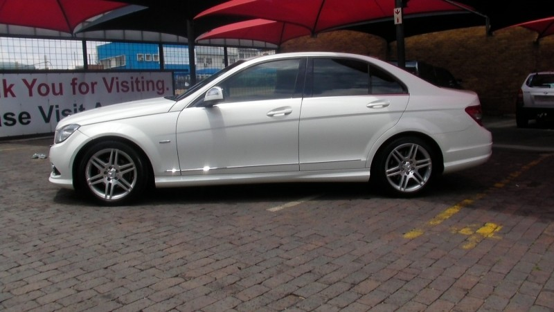 Used mercedes benz c class c220 cdi avantgarde for sale in for Mercedes benz c220 cdi for sale