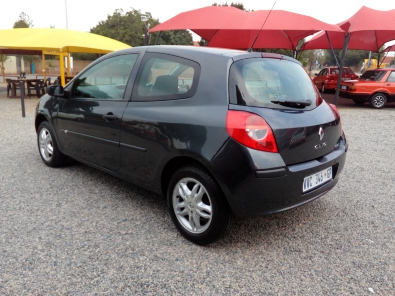 used renault clio iii 1 4 expression 3dr for sale in gauteng id 3052234. Black Bedroom Furniture Sets. Home Design Ideas