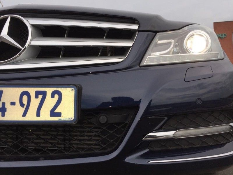 Used mercedes benz c class c200 32000kms merc warranty for Mercedes benz c service details