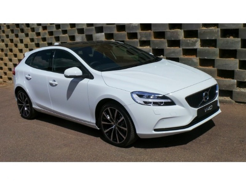 used volvo v40 t3 momentum geartronic for sale in gauteng. Black Bedroom Furniture Sets. Home Design Ideas