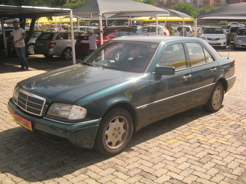 Used mercedes benz c class c220 elegance for sale in for 1995 mercedes benz c220