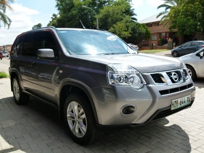 used nissan x trail 2 0 4x2 xe r79 r85 for sale in north west province id 3099759. Black Bedroom Furniture Sets. Home Design Ideas