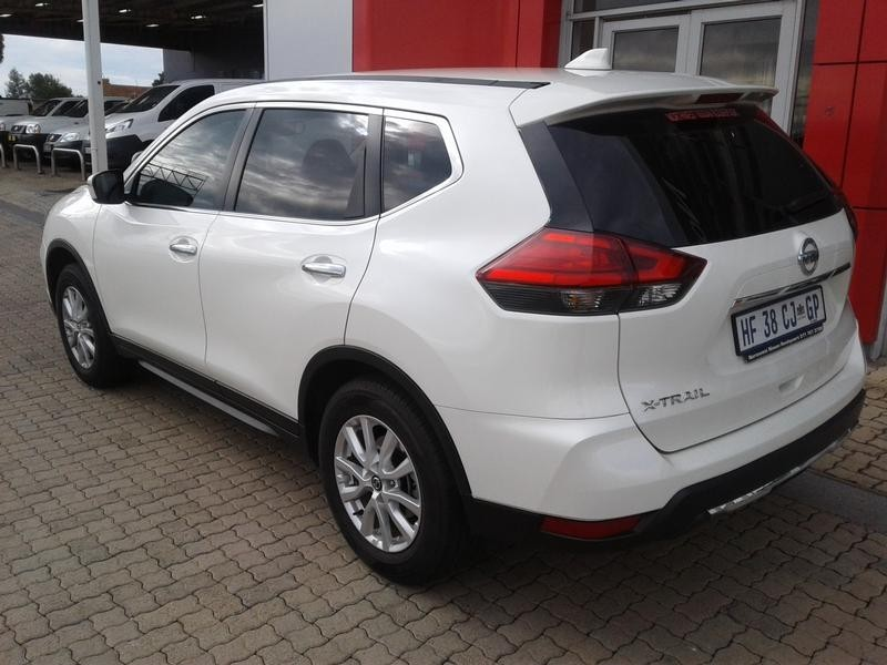used nissan x trail 2 0 visia for sale in gauteng id 3109831. Black Bedroom Furniture Sets. Home Design Ideas