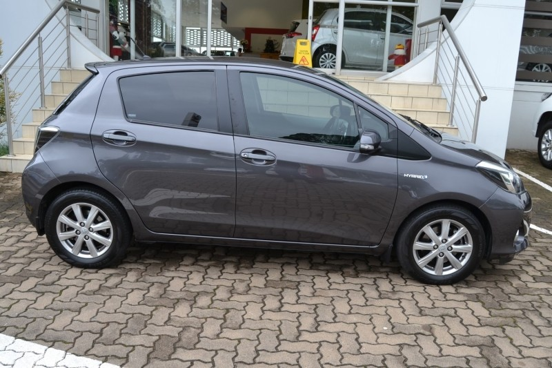 used toyota yaris 1 5 hsd xr 5dr hybrid for sale in kwazulu natal id 3131343. Black Bedroom Furniture Sets. Home Design Ideas
