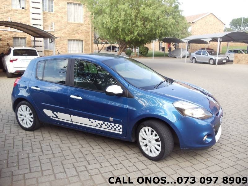 used renault clio 1 6 sport for sale in gauteng id 3145503. Black Bedroom Furniture Sets. Home Design Ideas