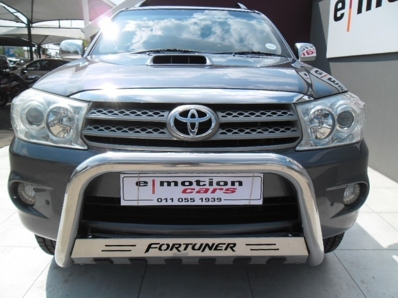 used toyota fortuner 3 0 d 4d auto 7 seater diesel suv auto for sale in gauteng. Black Bedroom Furniture Sets. Home Design Ideas
