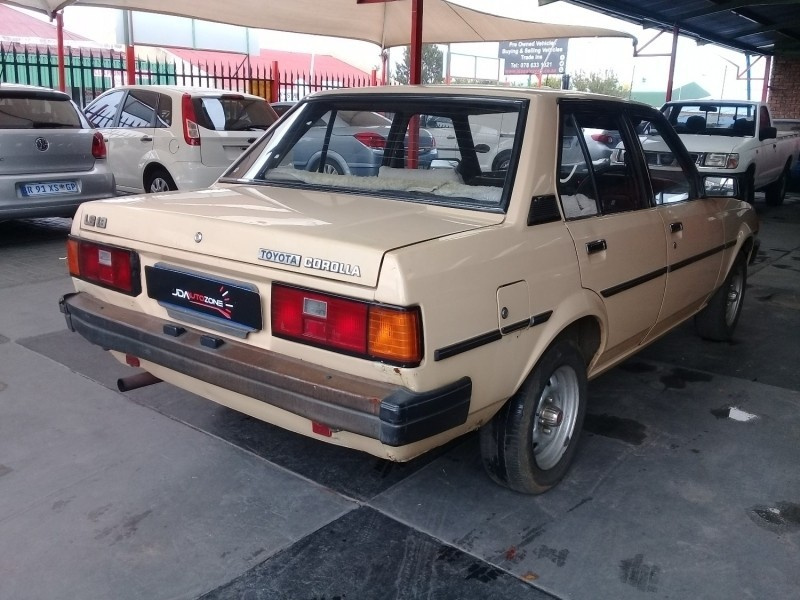 used toyota corolla 1 3 ls 5 speed manual for sale in gauteng id 3158497. Black Bedroom Furniture Sets. Home Design Ideas