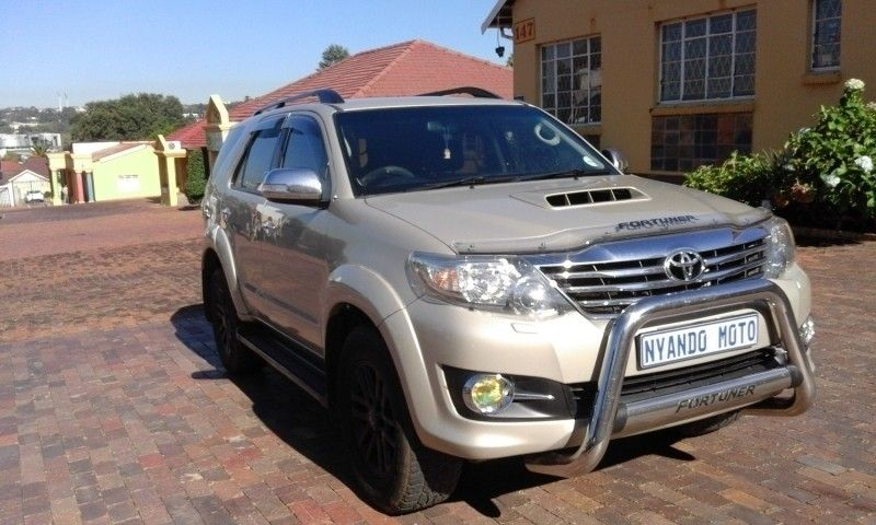 Used Toyota Fortuner 3 0d 4d Heritage 4x4 A T For Sale In Gauteng Cars Co Za Id 3165421
