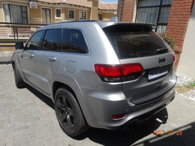 used jeep grand cherokee 6 4 srt for sale in gauteng id 3167173. Black Bedroom Furniture Sets. Home Design Ideas