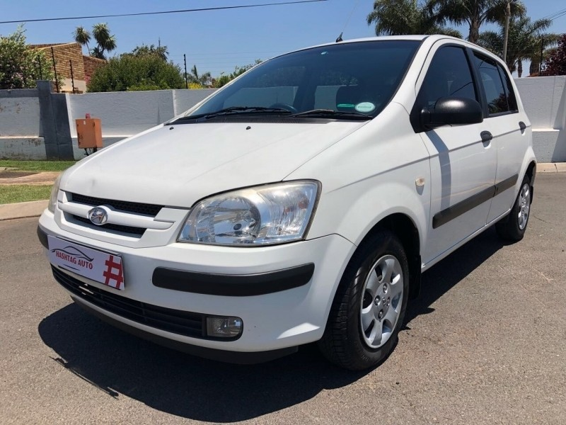 Used hyundai getz 1 3 a c for sale in gauteng for Garage hyundai 78