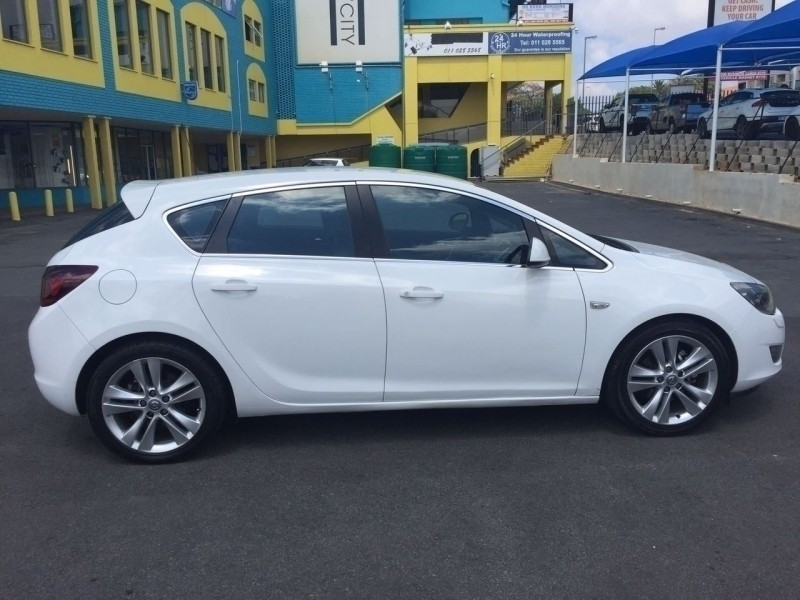 Used Opel Astra 1 6 Sport 5dr For Sale In Gauteng Cars Co Za Id 3173229