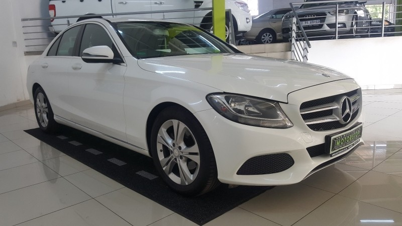 Used mercedes benz c class c180 auto for sale in gauteng for Mercedes benz c class used cars for sale