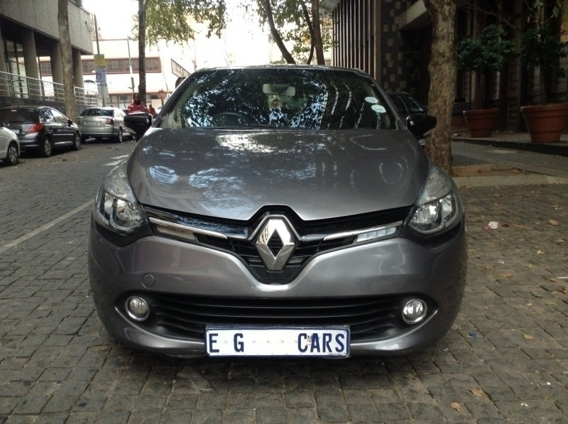 used renault clio iii 1 6 dynamique turbo 5dr for sale in gauteng id 3185185. Black Bedroom Furniture Sets. Home Design Ideas