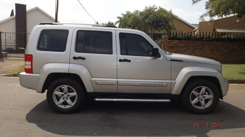 Used Jeep Cherokee 2 8 Crd Sport For Sale In Gauteng
