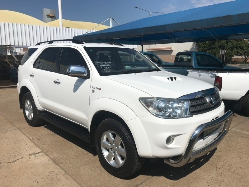 used toyota fortuner 7 seater for sale in gauteng id 3190495. Black Bedroom Furniture Sets. Home Design Ideas