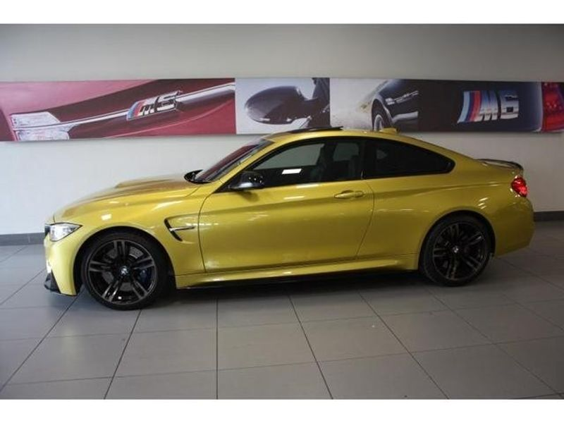 used bmw m4 coupe m dct for sale in gauteng id 3217307. Black Bedroom Furniture Sets. Home Design Ideas