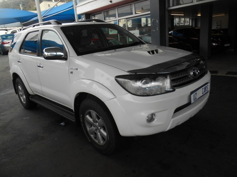 Used Toyota Fortuner 3 0d 4d R B A T For Sale In Gauteng Cars Co Za Id 3217517