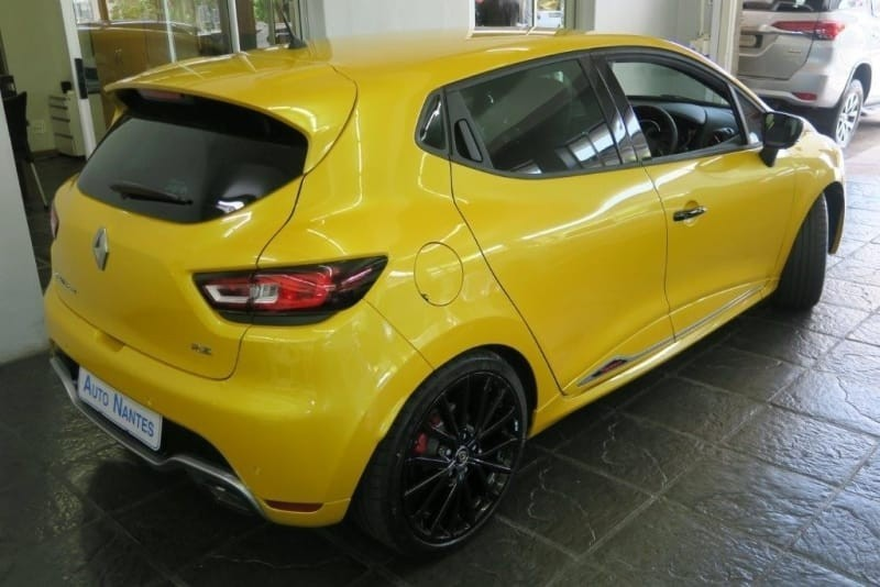 used renault clio iv 1 6 rs 220 edc trophy for sale in western cape id 3235313. Black Bedroom Furniture Sets. Home Design Ideas