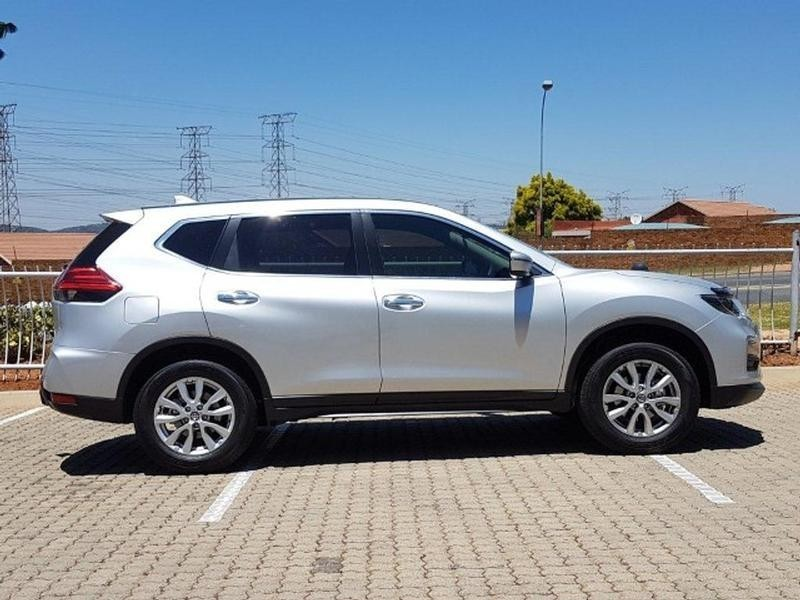 used nissan x trail 2 0 visia for sale in gauteng id 3302900. Black Bedroom Furniture Sets. Home Design Ideas