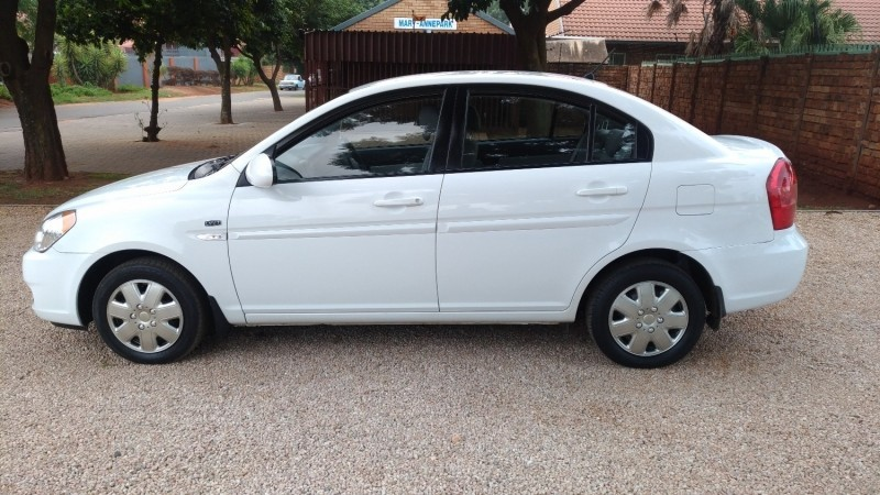 used hyundai accent 1 6 gls for sale in gauteng id 3329851. Black Bedroom Furniture Sets. Home Design Ideas